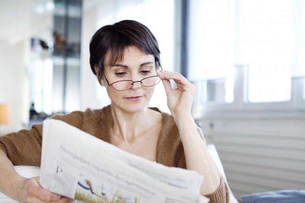 สายตาสูงวัยหรือสายตายาวตามอายุ (PRESBYOPIA)